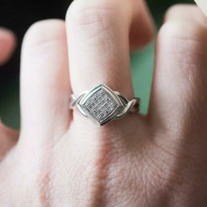 GENUINE DIAMONDS TRUE VINTAGE STERLING SILVER RING